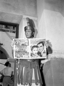 Robert Taylor on the set of the film Quo Vadis