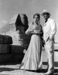Eleanor Parker and Robert Taylor in 'Valley of the Kings'