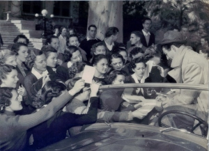 Robert Taylor and fans.
