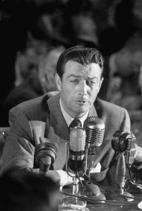 Robert Taylor testifying before the HUAC, 1947.