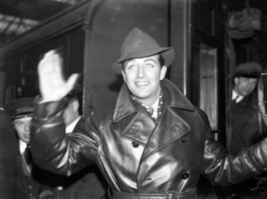 Robert Taylor leaving for Europe, 1937